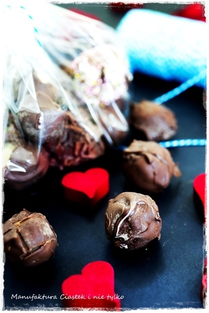 czekoladki_z_marcepanem1znapisem